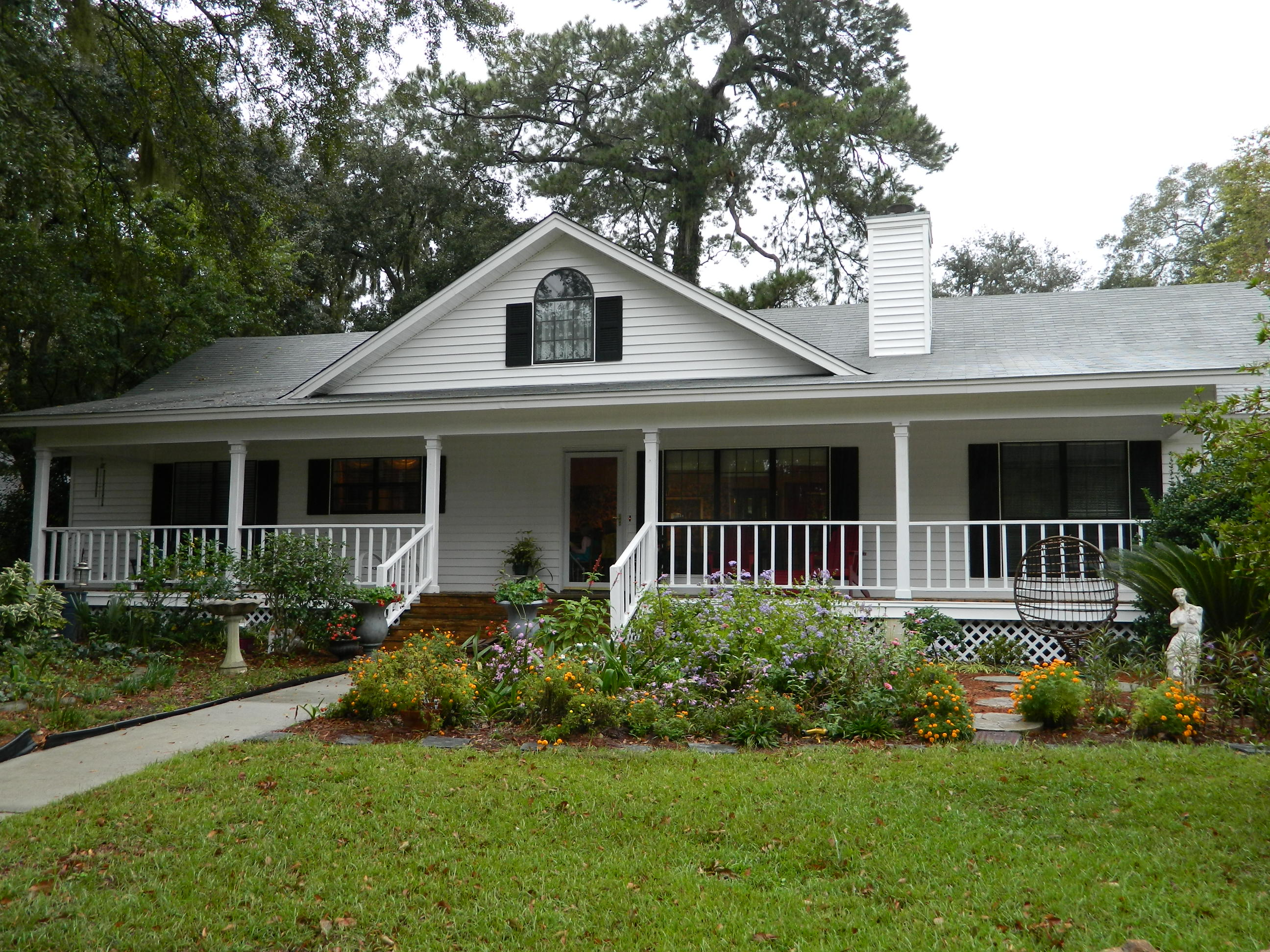 Front With Low Country Porch Tom Sharpe Properties Tom